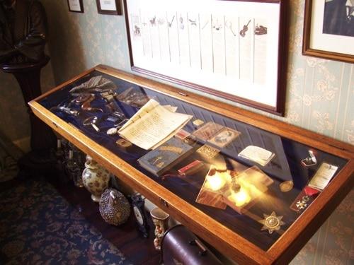 Mais itens que saíram das histórias de Holmes