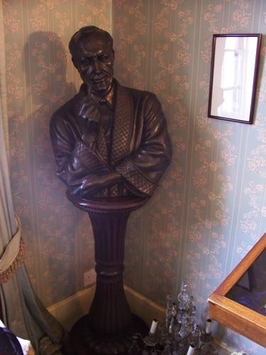 Estátua ou busto de Sherlock Holmes no Museu Sherlock Holmes, em Londres