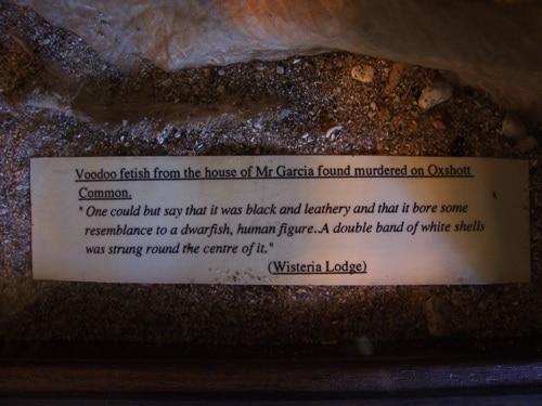 Como os produtos são identificados no Museu Sherlock Holmes