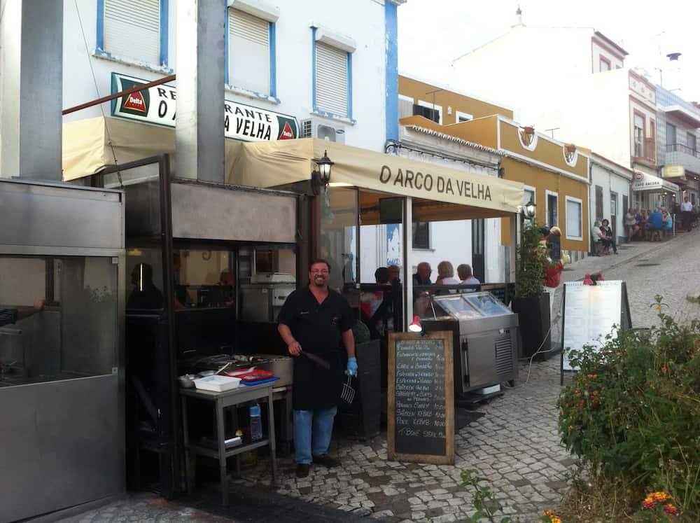 Restaurante O Arco da Velha. Alvor, Algarve, Portugal.