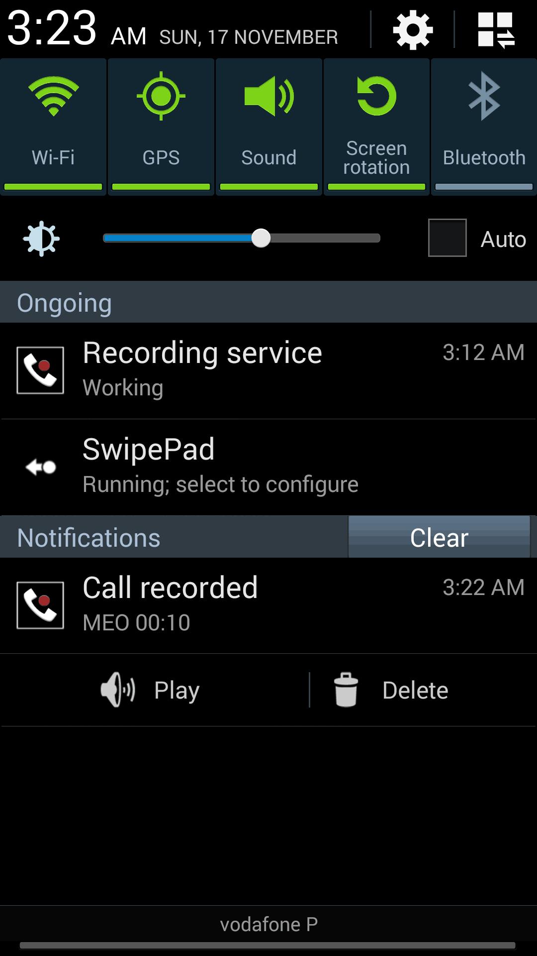 O aplicativo na área de notificações do Android. Depois do telefonema, é possível ouvir a gravação por ali mesmo — ou apagá-la.