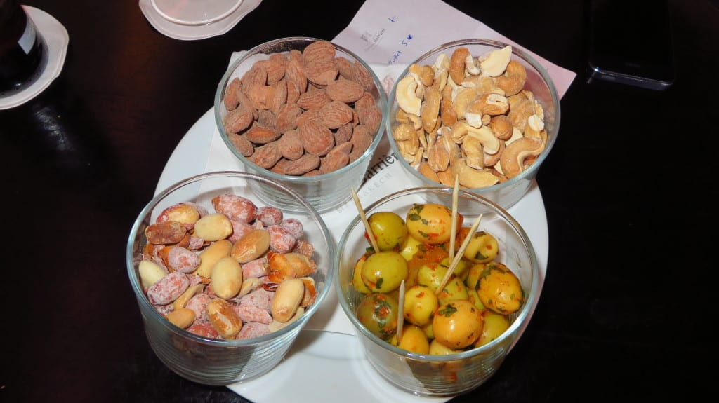 Azeitonas, amendoins, castanhas, amêndoas