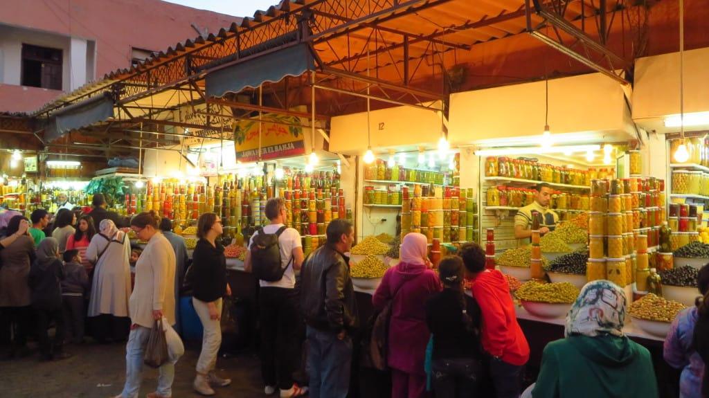 Vista do mercado de azeitonas