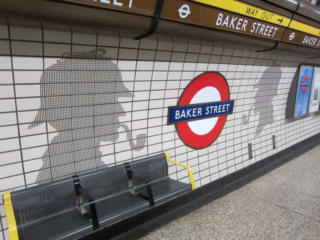 Sherlock Holmes na Estação Baker Street, em Londres