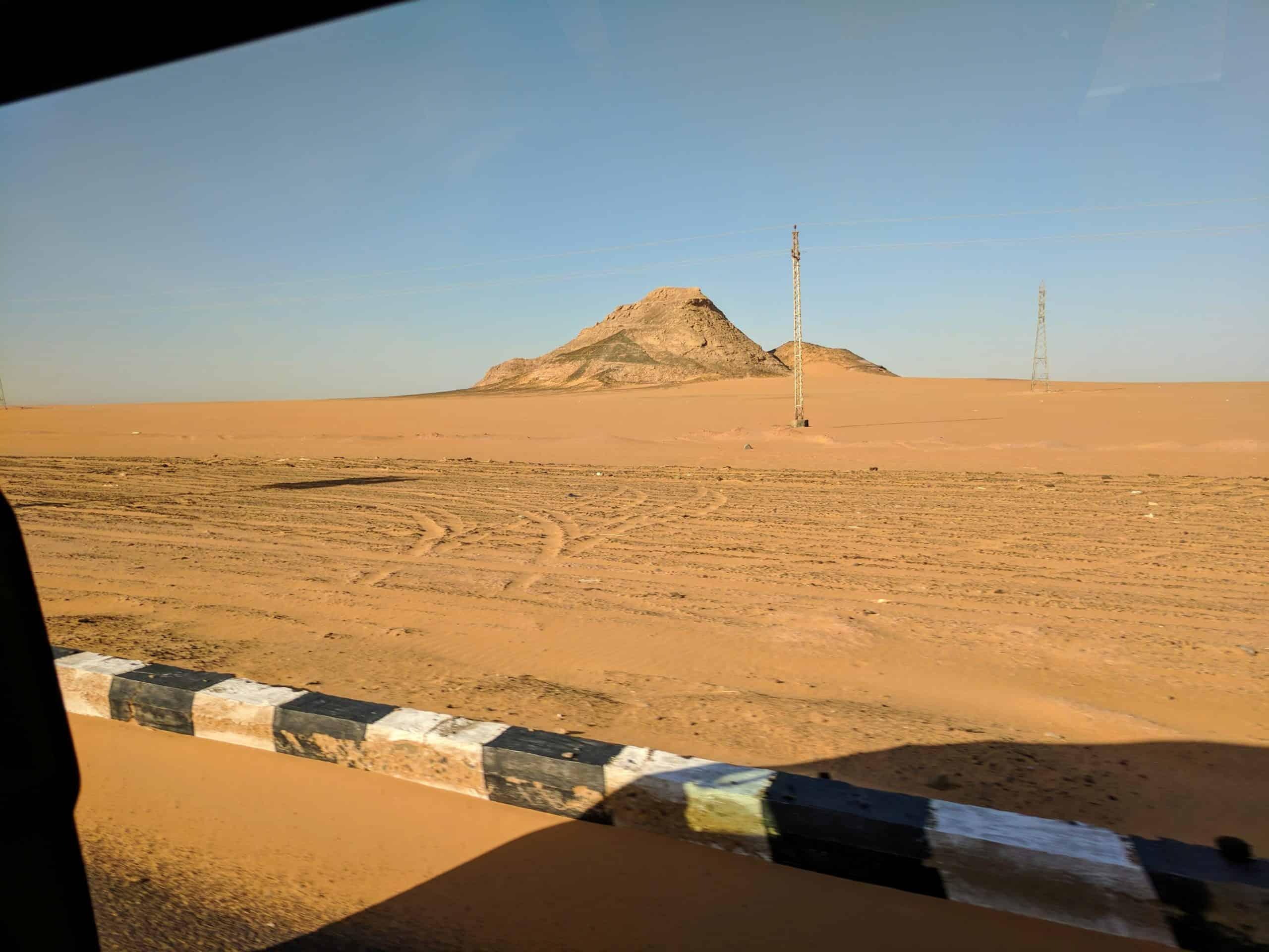 Estrada a caminho de Abu Simbel