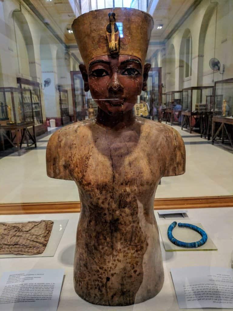 Busto de Tutancamon no Museu do Cairo.