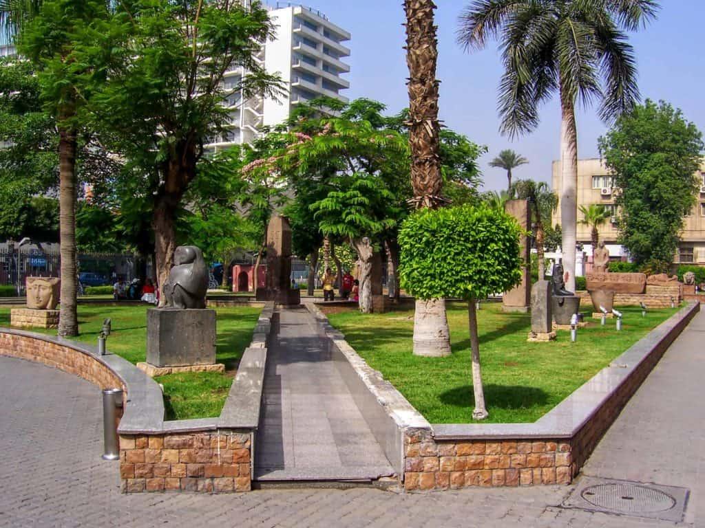 Parte externa do Museu do Cairo.