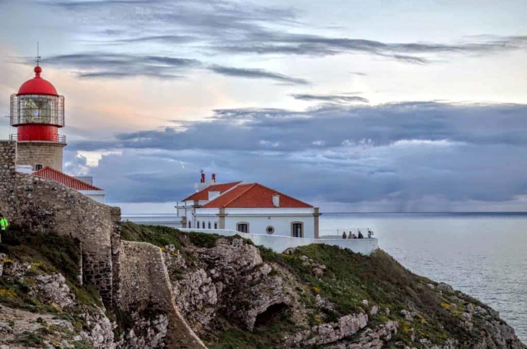 O roteiro para o Algarve inclui os penhascos de Sagres