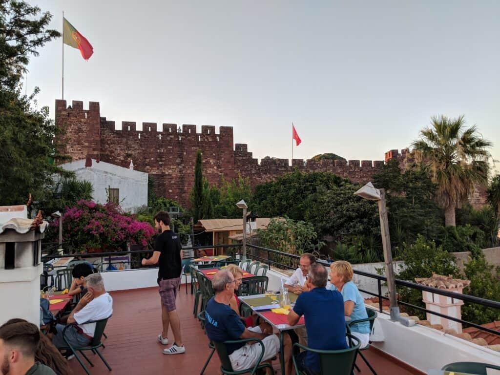 Restaurante com vista para o castelo