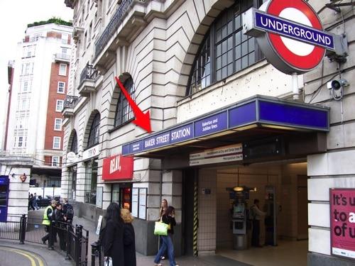 Estação Baker Street, perto do Museu Sherlock Holmes, em Londres