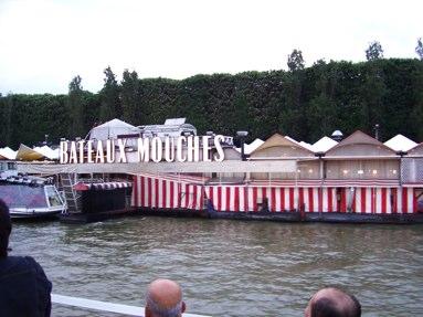 passeio-barco-rio-sena-paris