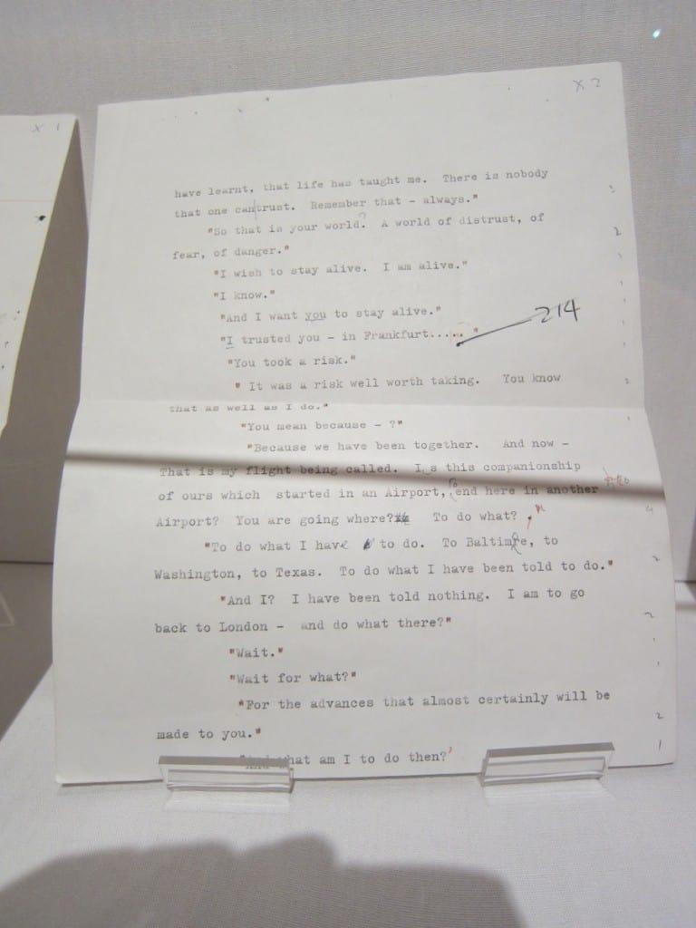 Originais de Passageiro para Frankfurt, de Agatha Christie, expostos no Ripley's Museum, em Londres