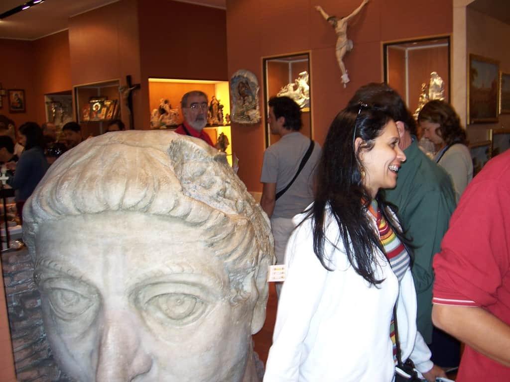 Interior de loja no Vaticano