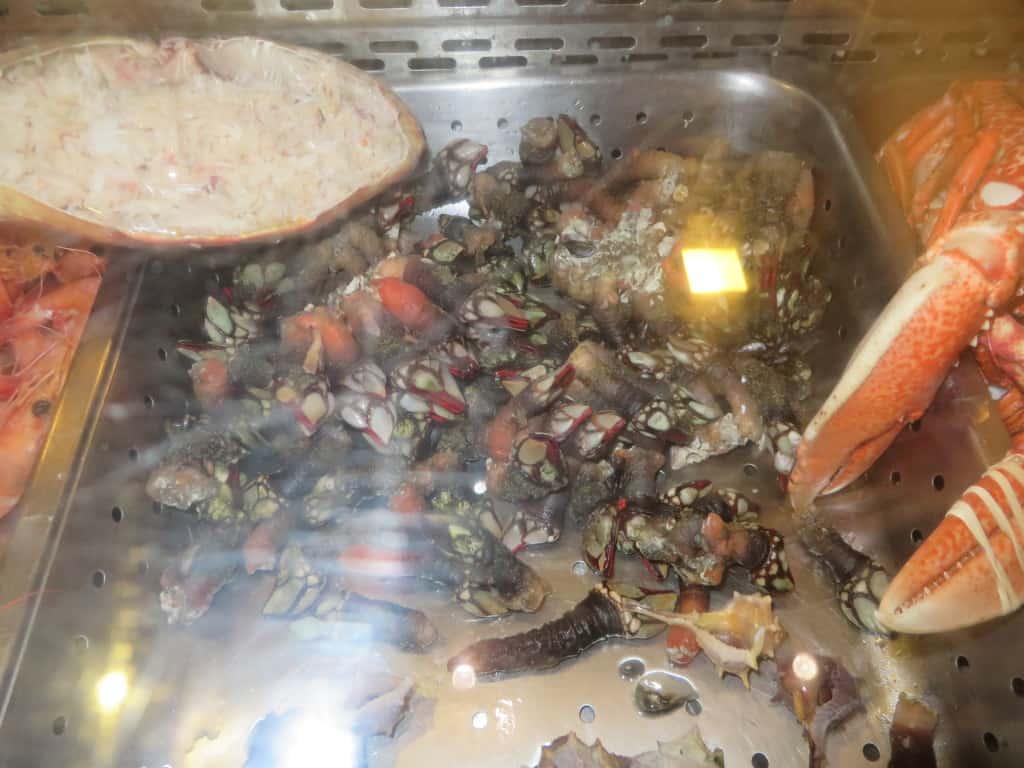 Frutos do mar expostos no restaurante