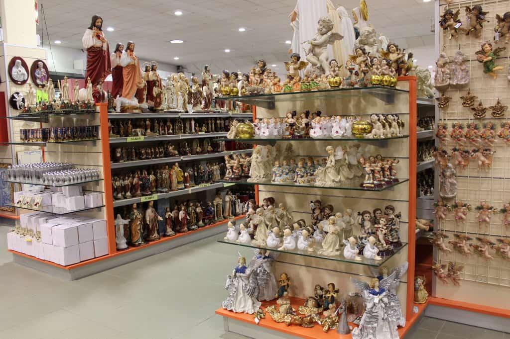 Centro Comercial Fátima: paraíso para turistas católicos em Fátima (Portugal)
