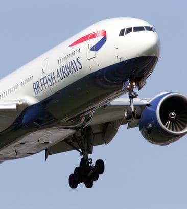 Avião volta por causa de cocô no toalete