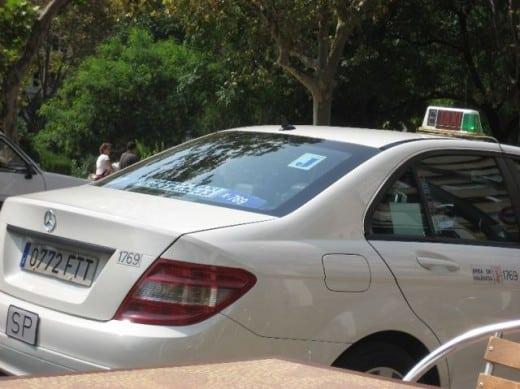 Táxi: em viagens, memorize o número de cada veículo