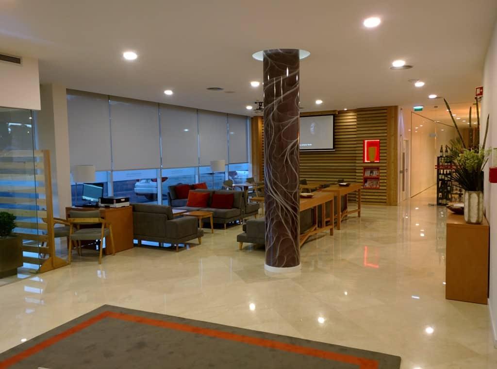 hotel em leiria portugal conhe a o 4 estrelas tryp. Black Bedroom Furniture Sets. Home Design Ideas