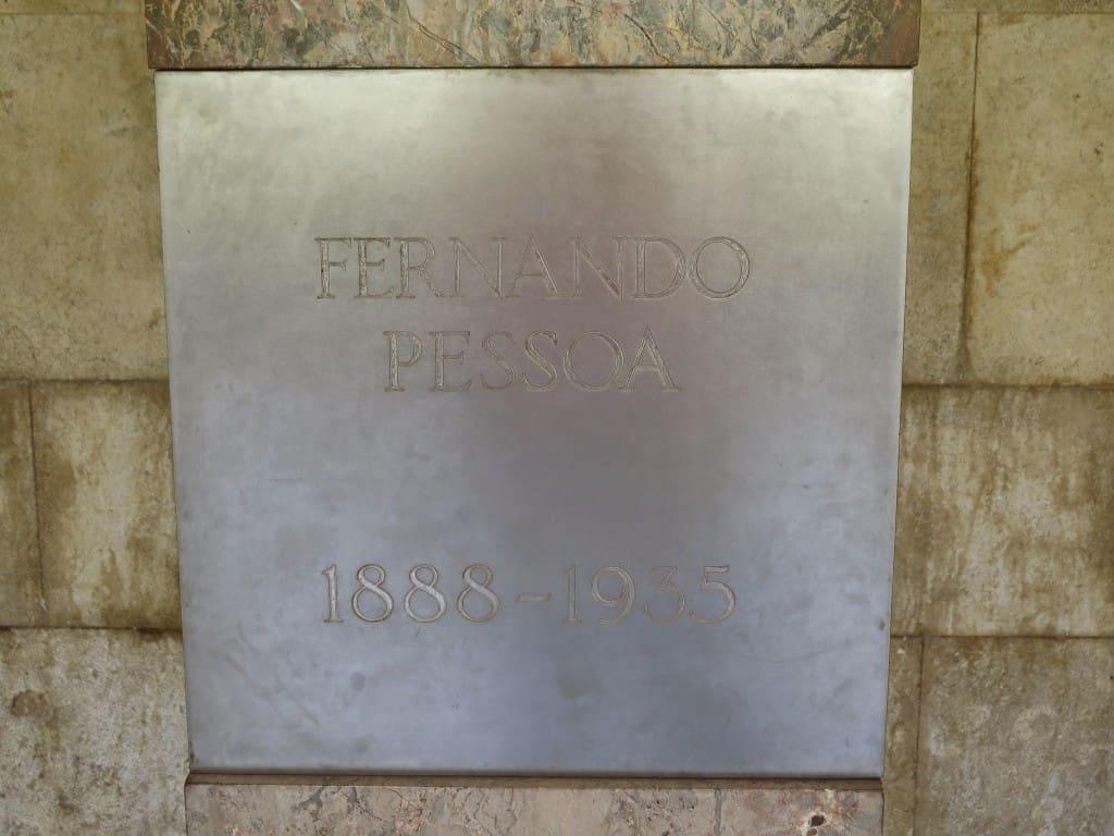 Túmulo de Fernando Pessoa, no Mosteiro dos Jerónimos, em Lisboa