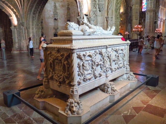 Igreja de Santa Maria de Belém | Mosteiro dos Jerónimos | Túmulo de Camões