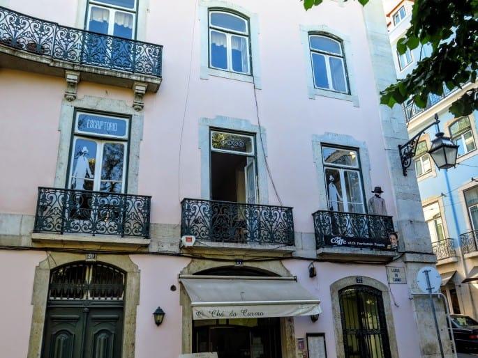 Largo do Carmo, Lisboa   Prédio onde Fernando Pessoa morou