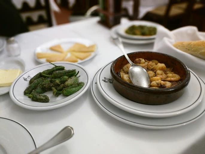 Pimientos de Padrón: tradição em Madri
