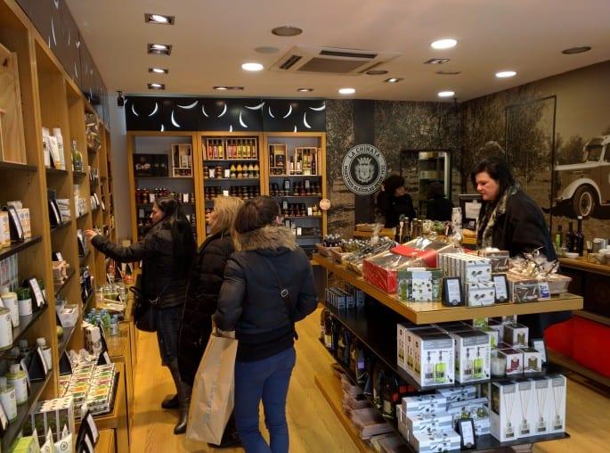 La Chinata | Em Madri, uma loja de produtos à base de oliveiras