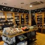 Em Madri, uma loja de produtos à base de oliveiras