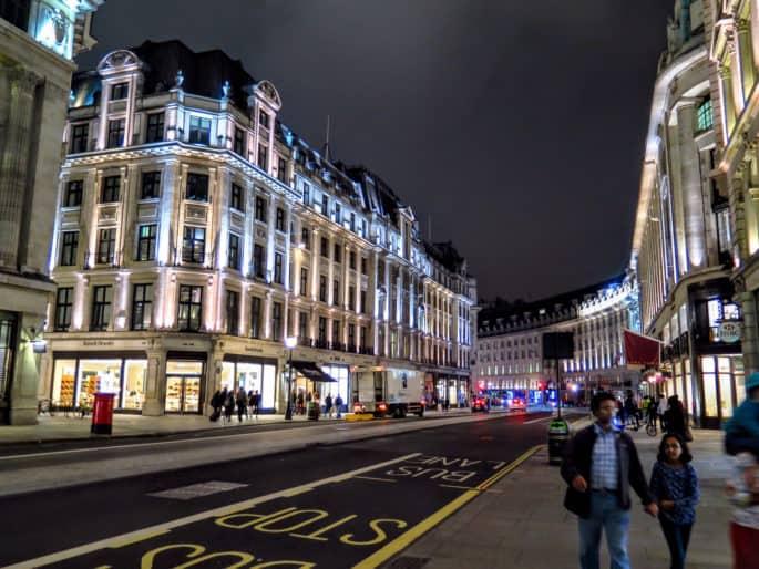 Regent Street, Londres, à noite