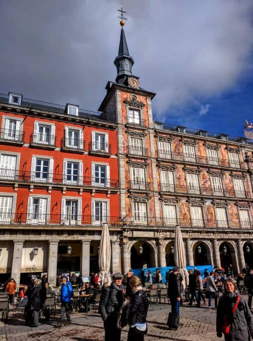 Plaza Mayor, prédio