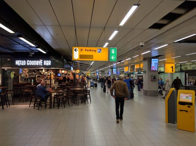 Aeroporto Schiphol: área próxima ao embarque