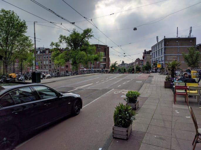 Monte Verde: pizzaria em Amsterdã | Rua em frente