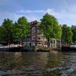 Passeio de barco nos canais de Amsterdã