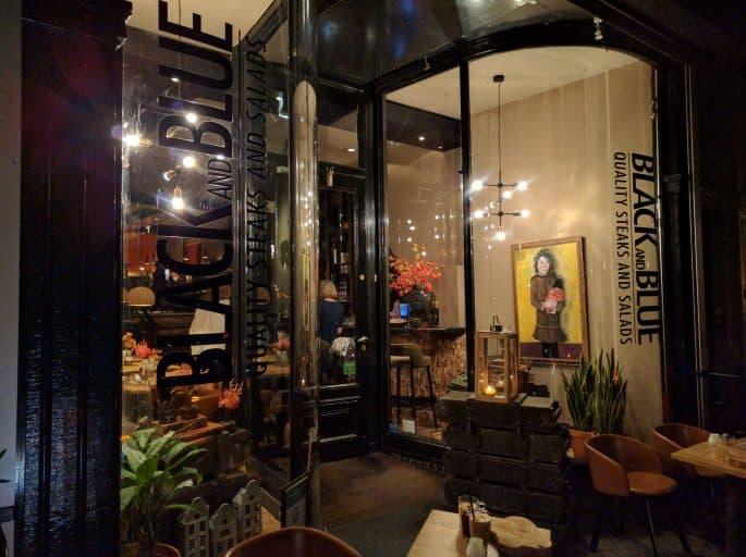 Restaurante Black and Blue, em Amsterdã: entrada