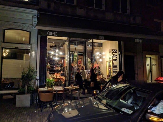 Restaurante Black and Blue, em Amsterdã: fachada