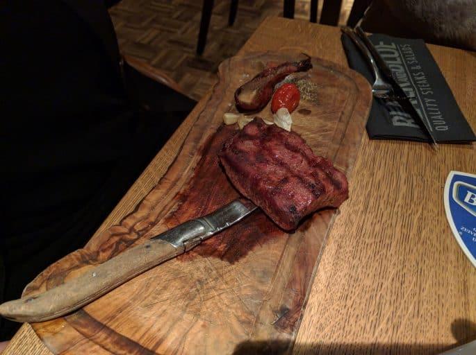 Restaurante Black and Blue, em Amsterdã: filé