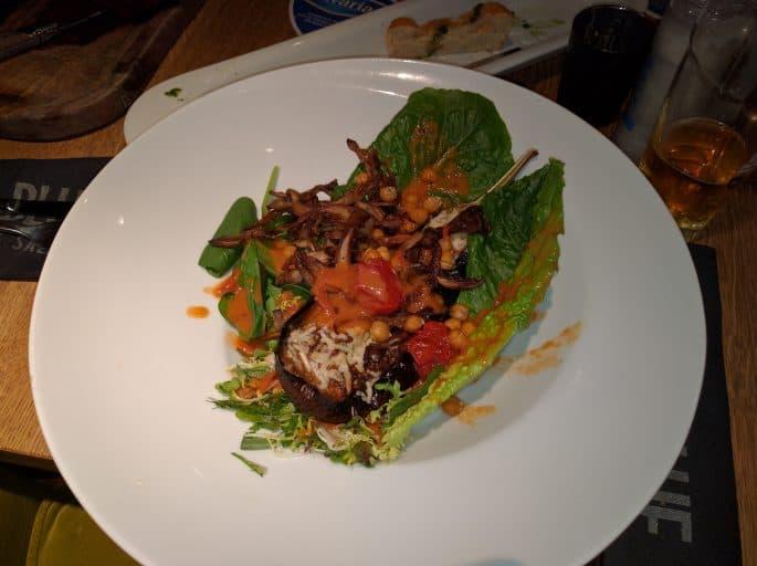 Restaurante Black and Blue, em Amsterdã: prato vegetariano