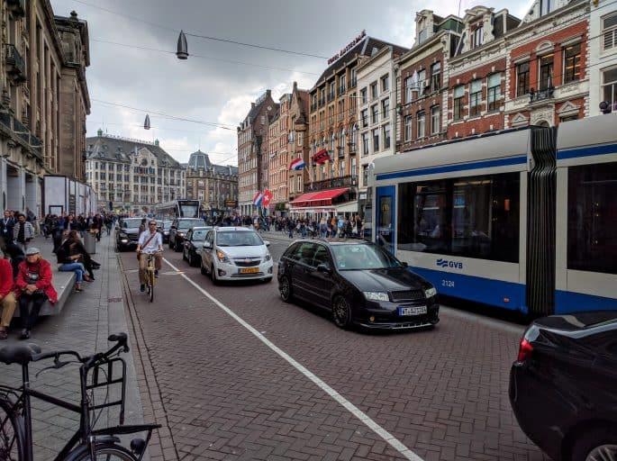 Transporte público em Amsterdã | Tram | Nas ruas