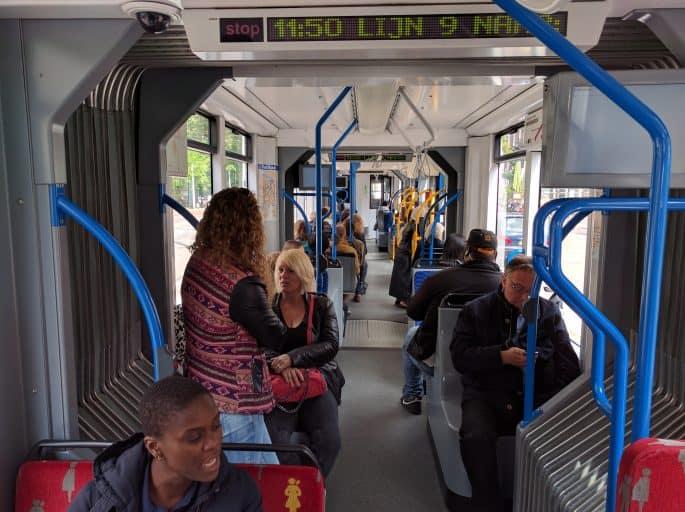 Dentro do Tram