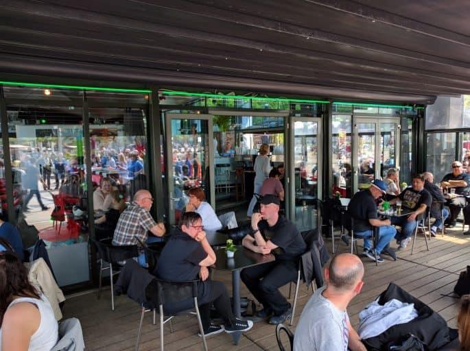 Cobra Café, na Museumplein, em Amsterdã: área externa