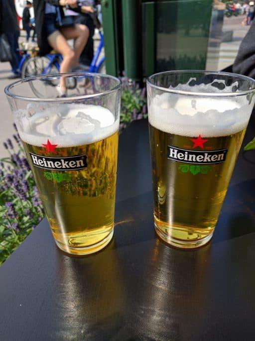 Cobra Café, na Museumplein, em Amsterdã: cervejas