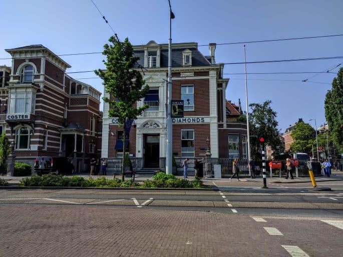 Museumplein, em Amsterdã   Loja de diamantes