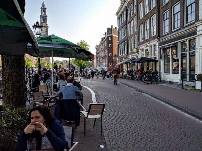 Museu da Tulipa, em Amsterdã: rua em frente