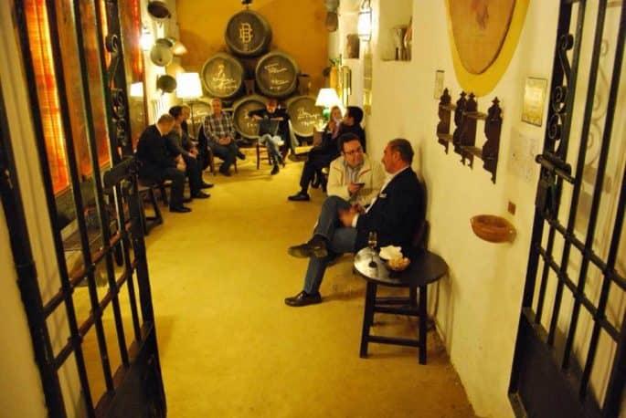 Restaurante Bodegas Campos, em Córdoba: área da adega