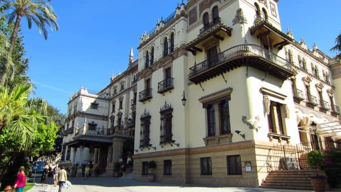 Fachada do Hotel Alfonso XIII, em Sevilha