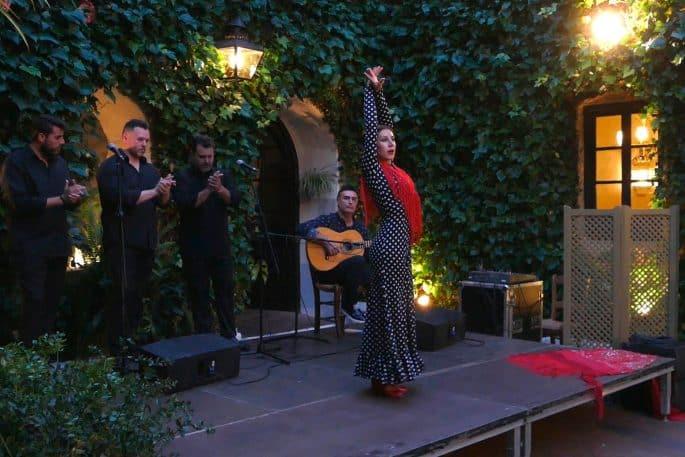 Flamenco em Córdoba: Compañía Flamenca Desirée Calero La Merenguita | Calero em performance
