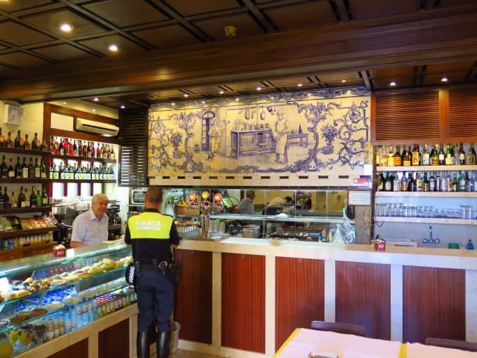 Restaurante Martinho da Arcada: área do café