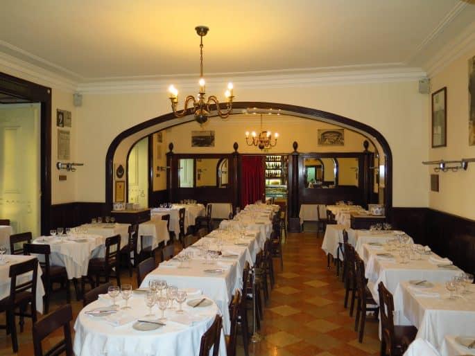 Restaurante Martinho da Arcada: salão vazio