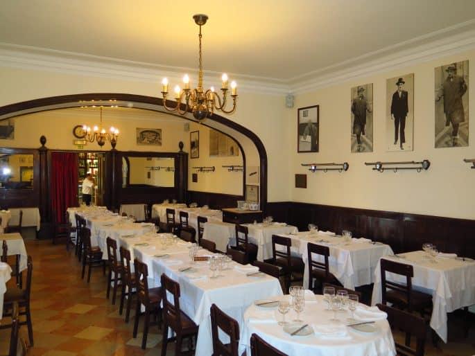 Restaurante Martinho da Arcada: salão principal vazio