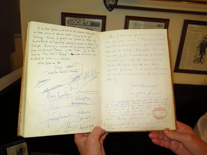 Restaurante Martinho da Arcada: livro de visitas